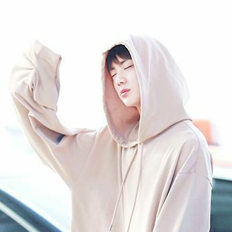 looking for mutual armys. new account.  #MGMAVOTE #mgma_bts #mgmabts @bts_bighit<br>http://pic.twitter.com/rMB3Cstwro