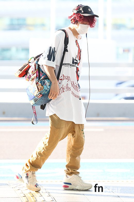 @YG_iKONIC [PRESS PHOTOS 📸] 190816 iKON at Incheon Intl Airport, heading to Los Angeles, CA for 88risings Head In The Clouds festival (4) #iKON #아이콘 @YG_iKONIC