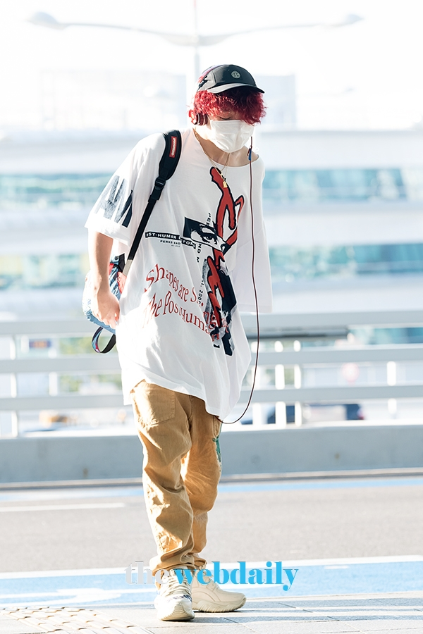 @YG_iKONIC [PRESS PHOTOS 📸] 190816 iKON at Incheon Intl Airport, heading to Los Angeles, CA for 88risings Head In The Clouds festival (8) #iKON #아이콘 @YG_iKONIC