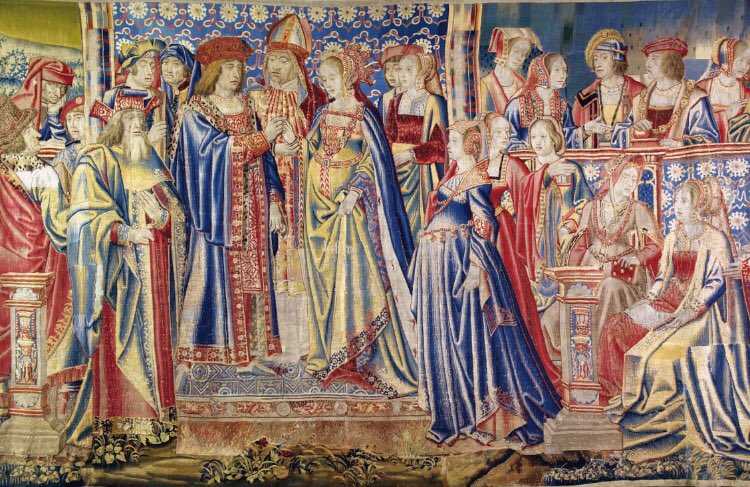 Whose headdress do you like best in this amazing tapestry at @hevercastle ? Mine is bonnet lady I think... (to learn more about this tapestry, check out my podcast series, link in profile ) #tudors #twitterstorians #AnneBoleyn<br>http://pic.twitter.com/H9p8IrzSjd