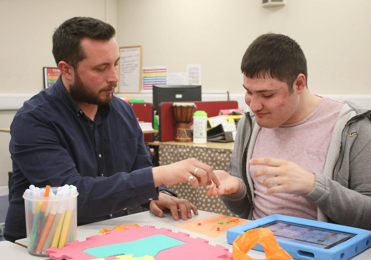Are you looking for a career where you can really make a difference to the lives of young people? There are lots of exciting job opportunities here at Portland College. portland.ac.uk/Job-opportunit… #portlandcollege #nottscareers #collegejobs #joinus #mansfieldjobs