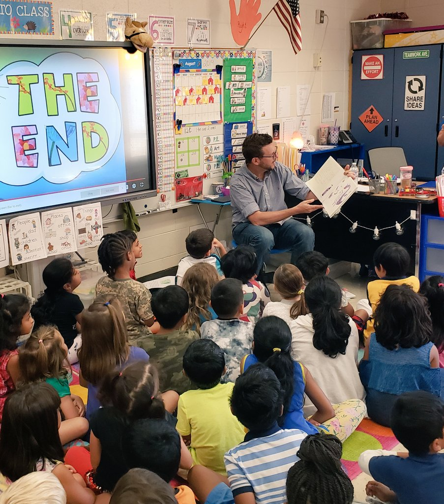 Gr8 day @MidwayES w/ special guest Tad from @B985FM reading to our Ss!