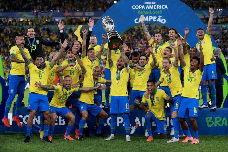 🇧🇷正式発表🇧🇷コパ王者のブラジル、親善試合に向けメンバー発表…ネイマールが復帰!🗣️編集部より「コパ・アメリカ2019でキャプテンとして4大会ぶり9度目の優勝に大きく貢献したダニエウ・アウヴェス(サンパウロ)らが順当に選出されました!」