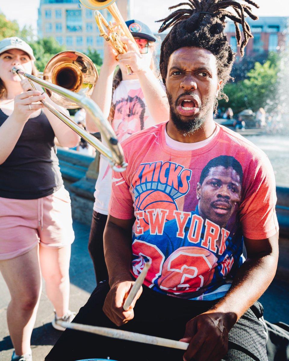 Friday jammin' VIBES 🥁 #KnicksSummer