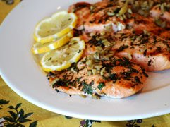Cooking fish at home is often a challenge! We know the heart healthy Mediterranean diet includes fish as a protein source. This easy recipe to help you get started!!    https://t.co/fEBa3U5Me1 https://t.co/5aND35ysr3