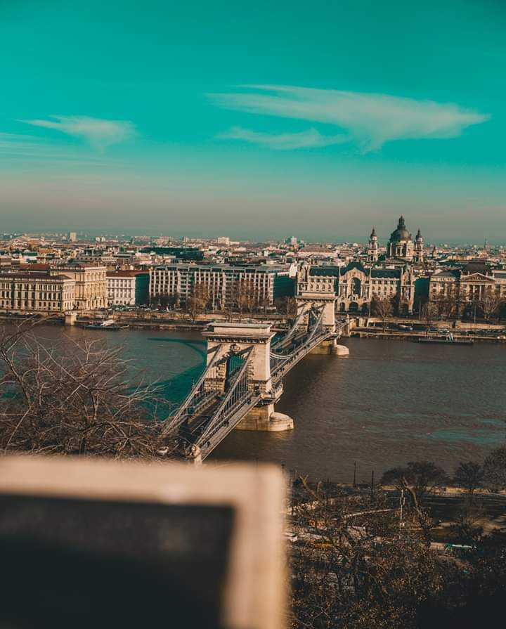 Széchenyi Chain Bridge  You will see the hustle and bustle of the city while you are standing on the bridge of the chains. At night, you will feel the tranquility of the city! The architecture itself is impressive and is undoubtedly a masterpiece. #Hungary #fridaymorning <br>http://pic.twitter.com/rMu0WpDvG1