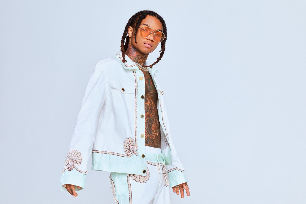 Young @SwaeLee the hitmaker 💪 Hear his two new tracks Sextasy and Wont Be Late with @Drake → spoti.fi/SwaeLee