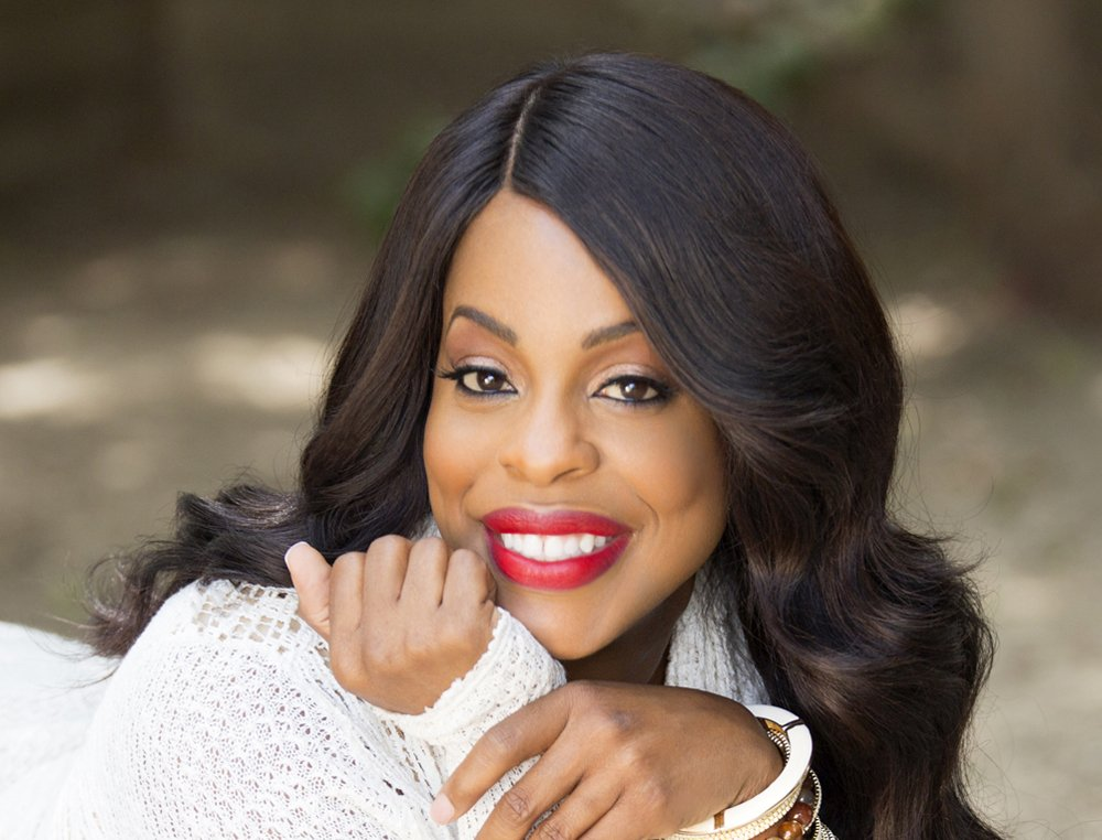 'Mrs. America': Niecy Nash To Recur In FX Limited Series deadline.com/2019/08/mrs-am…