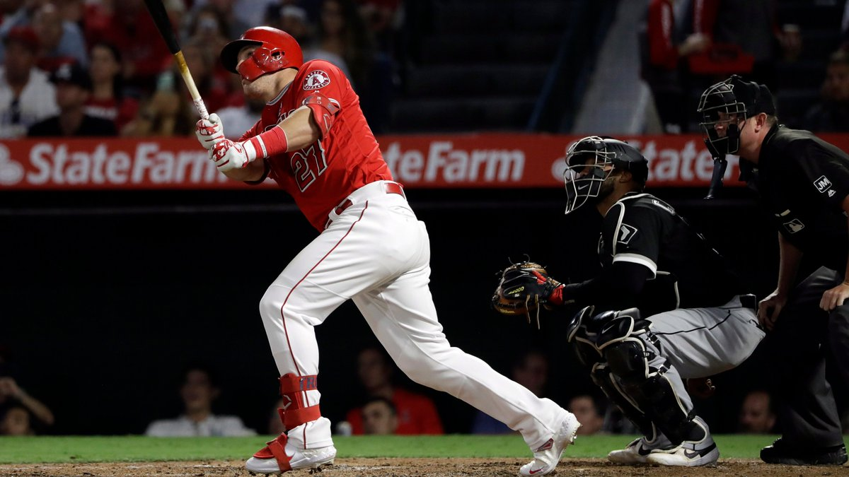 #Angels Mike Trout is batting .727/.793/1.500 with 12 Runs, 2 Doubles, 5 HR & 10 RBI during his current 6-game hit streak vs the #WhiteSox.