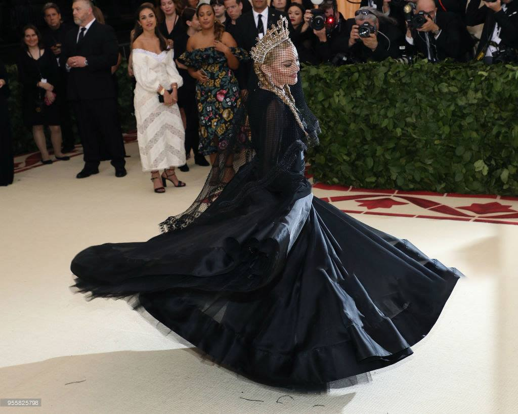 #HappyBirthdayMadonna so exciting to have stood feet away from her at #MetGala past few years <br>http://pic.twitter.com/rfx4Mhg818