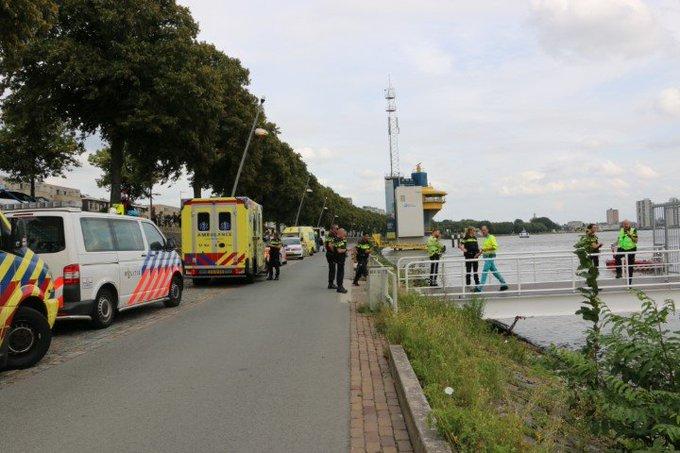 Dode na ongeluk met snelle RIB bij Nieuwe Maas https://t.co/S9yMN04k3h https://t.co/0pN93CiBfr