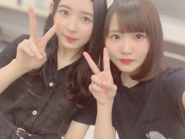 Takase Mana blog: Kakizaki Memi, the Snow Princess Angel, graduates. Pics of them together, plus Manafi's thoughts and feelings.  https:// sakamichinotes.blogspot.com/2019/08/takase -mana-blog-snow-princess-kakizaki.html  …   #hinatazaka46 #柿崎芽実<br>http://pic.twitter.com/xMzxeMujgQ