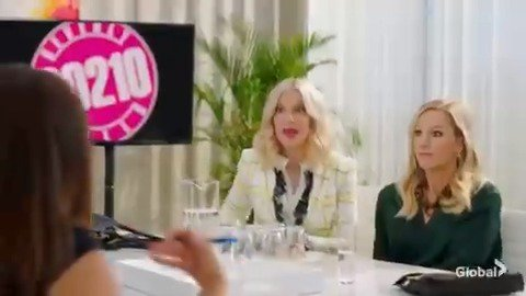 Looks like @torispelling + @jenniegarth have their work cut out for them ☀️🌴 #BH90210
