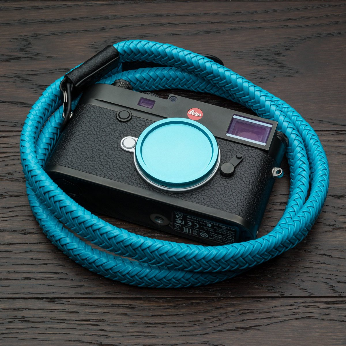 Limited time offer: selected Vi Vante camera straps now come