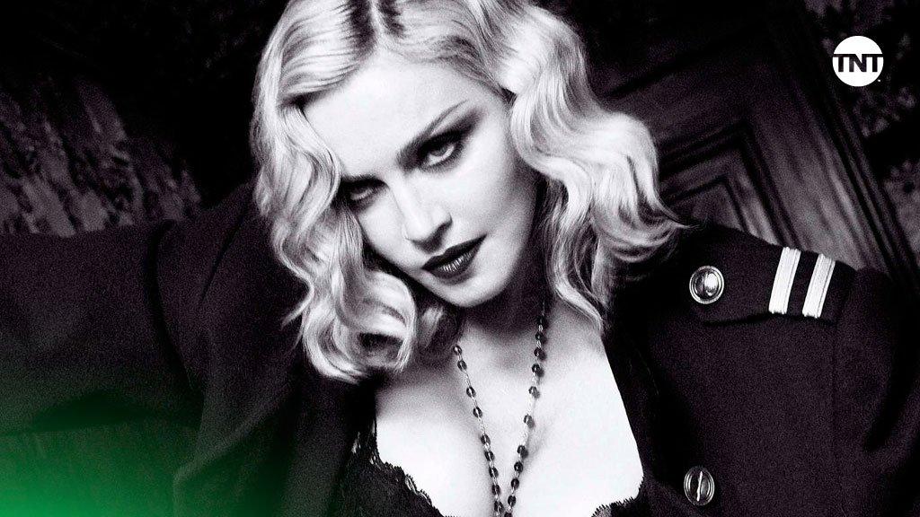 ¡Feliz cumpleaños a la reina del Pop! 👑 Que tu reinado dure para siempre y nunca dejes de mover tu cuerpo con la música 😉 ¡Déjale tu deseo a @Madonna! 🎂🎉