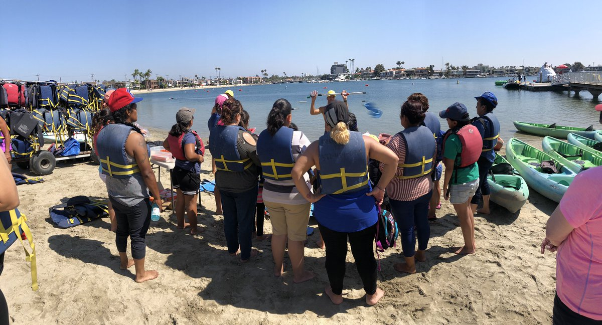 """""""Memories are better than being rich,"""" life advice from one of our 2nd grade Girl Scouts. Enjoying our Mother Daughter @girlscouts Kayaking Day. Thank you to our parters @Harbor_SLO1 @BlackknightPatr @CityAttorneyLA @pizzahut @LapdHarborDiv<br>http://pic.twitter.com/yeZA2j6cTa"""