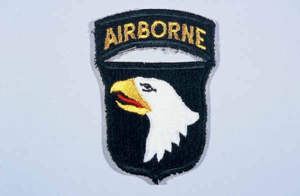 #DYK that the 101st Airborne Division, established in 1942, parachuted into Normandy, France on D-Day? The 101st was later recognized as a liberating unit for uncovering Kaufering IV camp in 1945. Read about their role during WWII: encyclopedia.ushmm.org/content/en/art… #NationalAirborneDay