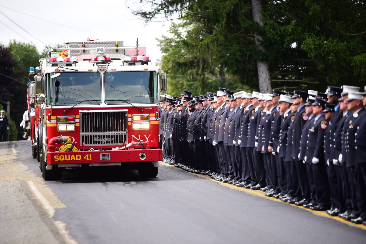 See more photos from today's funeral service for #FDNY Lieutenant Brian J. Sullivan at on.nyc.gov/2P044TM