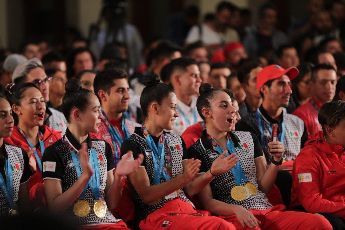 La delegación y sus entrenadores recibieron ayer por la tarde una beca para continuar con su preparación hacia los #JuegosOlímpicos en #Tokyo2020 🇯🇵y subir a #México al Podium nuevamente 🏆.