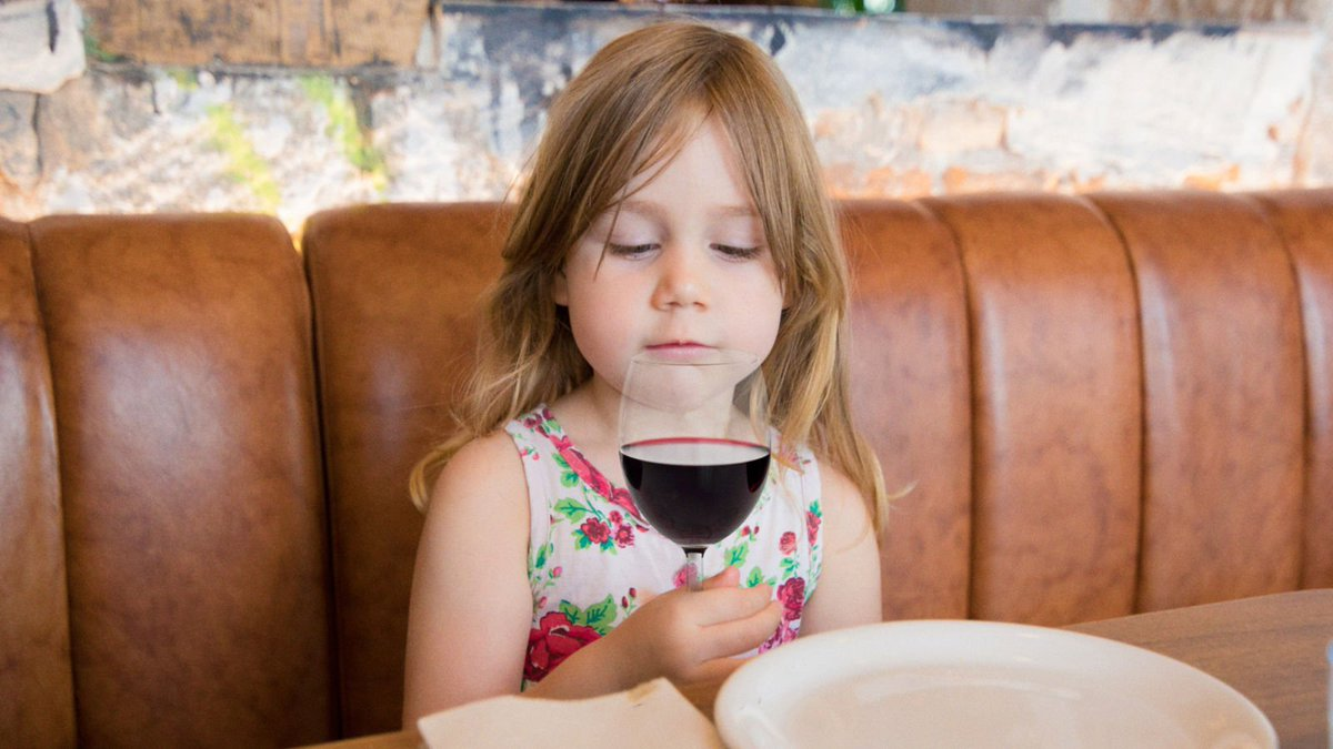 An Incredible Prodigy: This 4-Year-Old Wine Taster Just Became The Youngest Person Ever To Pass The Master Sommelier Exam http://clckhl.co/cHzniB8