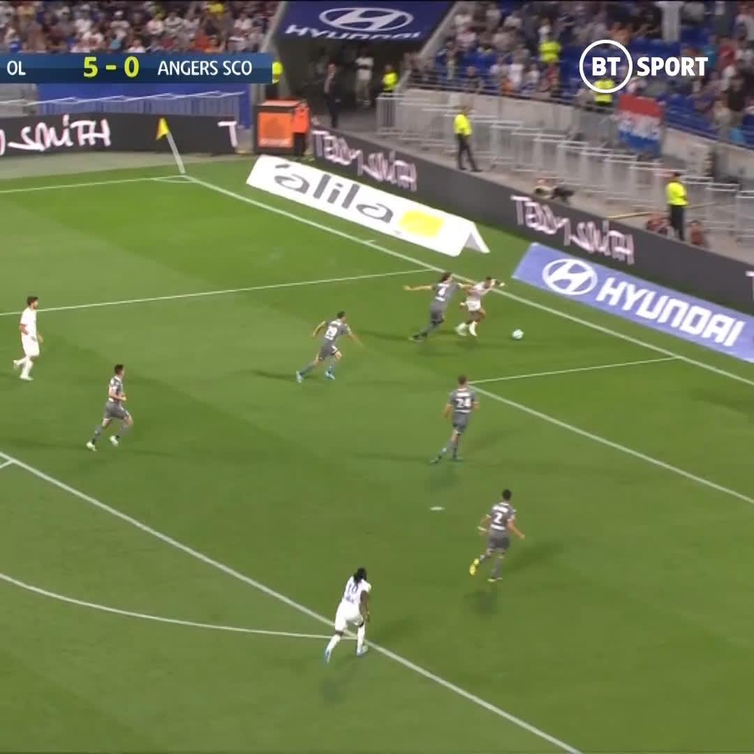 Depay has Ligue 1 on strings! 🎥 - @btsportfootball