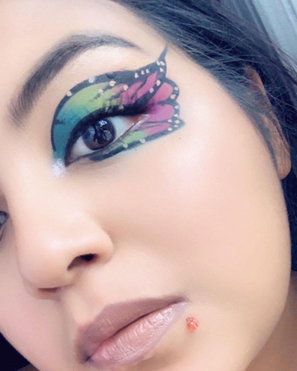 inspired by @chellylovesmakeup91 #butterfly #makeup #green #blue #purple #annette69xbeautycreations #abhrivierapalette #takemebacktobrazilpalette #elfeyeliner #elfcamoconcealer #dinero #cannes #leo #summer #colourpop #ultagloss #fantasia #ruiz #maybellinefitmefoundationpic.twitter.com/q1vrRnaJJg