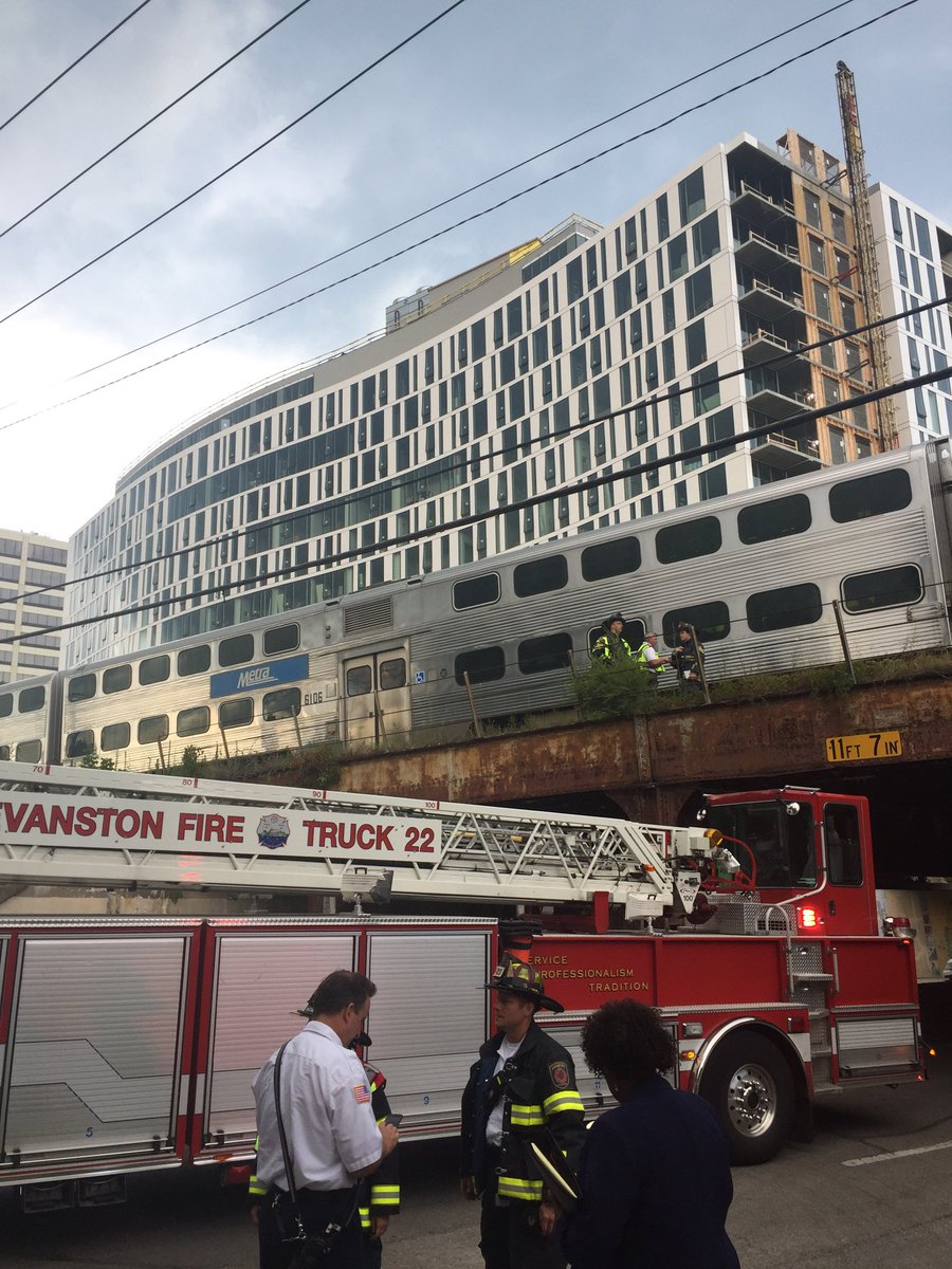 Man fatally struck by Metra train in Evanston
