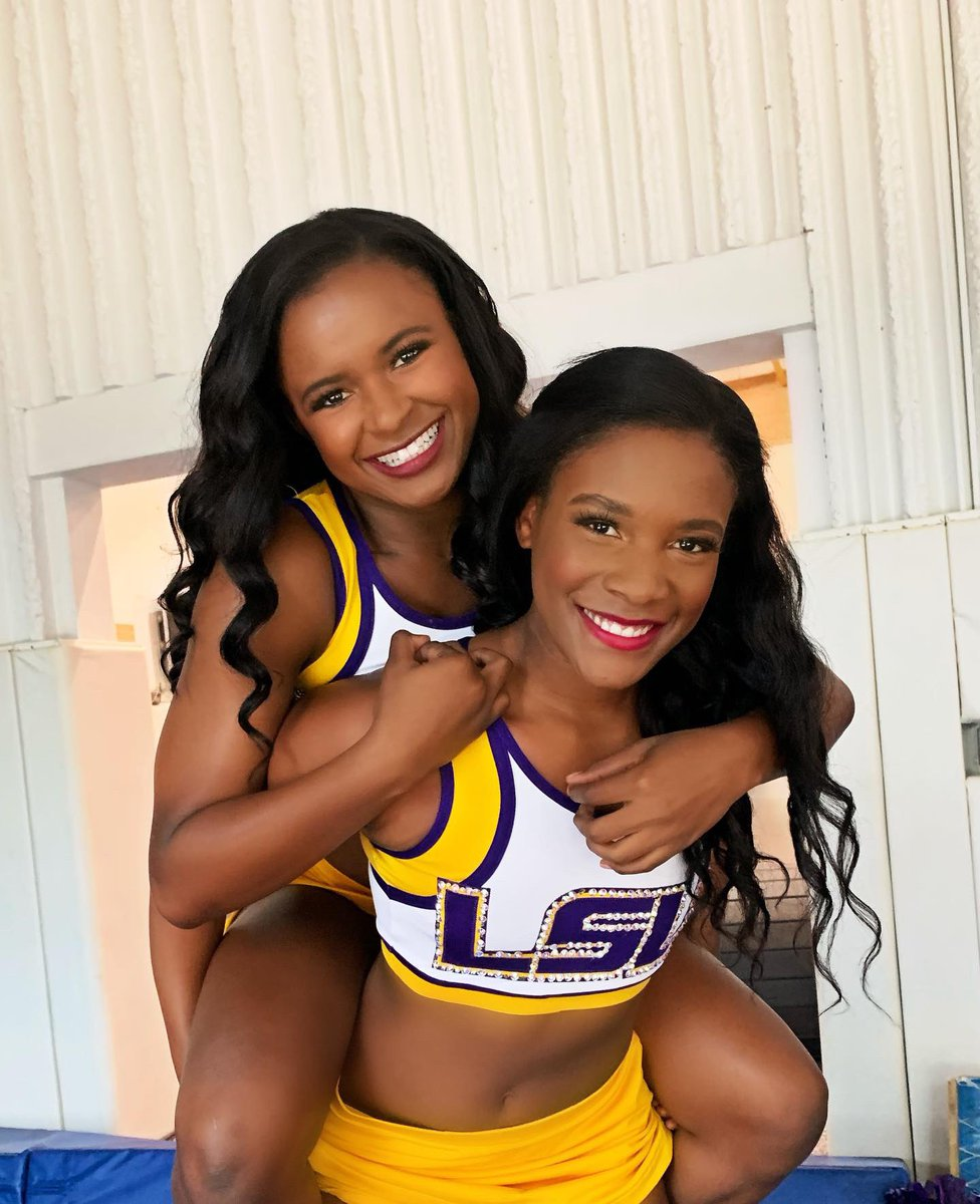 Twinin for year two !!  #GeauxTigers <br>http://pic.twitter.com/ulo2JRBY9z