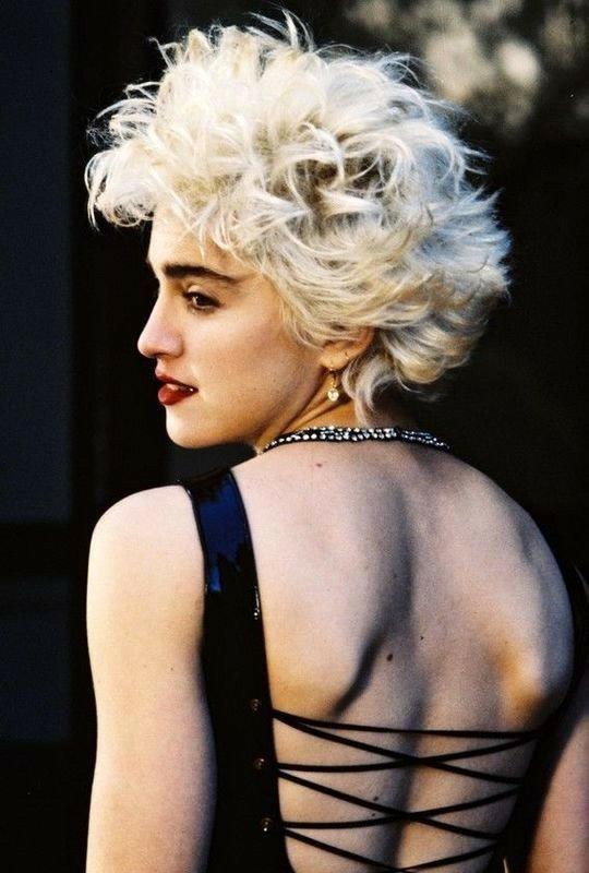 Con más de 300 millones de copias vendidas en todo el mundo Madonna es la artista femenina #1 de todos los tiempos. Llevó su música al límite de lo convencional convirtiéndose en un icono pop y referente musical. Hoy llega a los 61 años la única y autentica reina del pop.