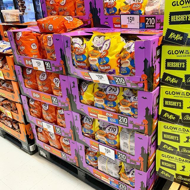 Who is buying their Halloween candy in August??? ift.tt/2PgdiLV