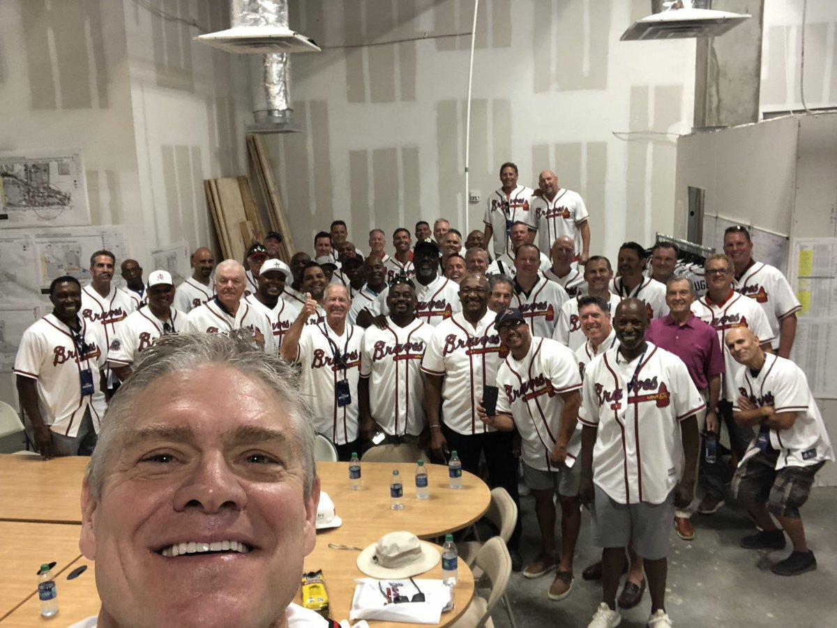 Always fun to be with fellow @Braves alumni! #bravesalumniweekend