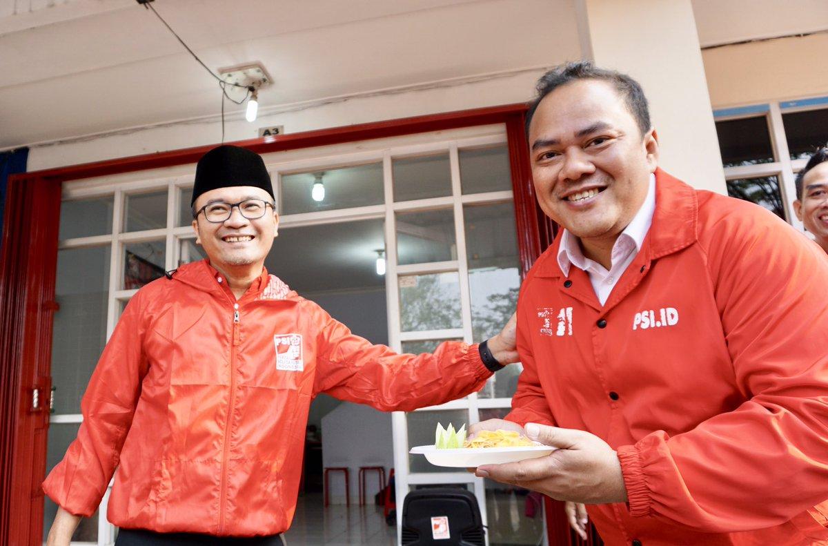 @psi_tangsel @kokokdirgantoro Sedang menerima pencalonan capres secara resmi