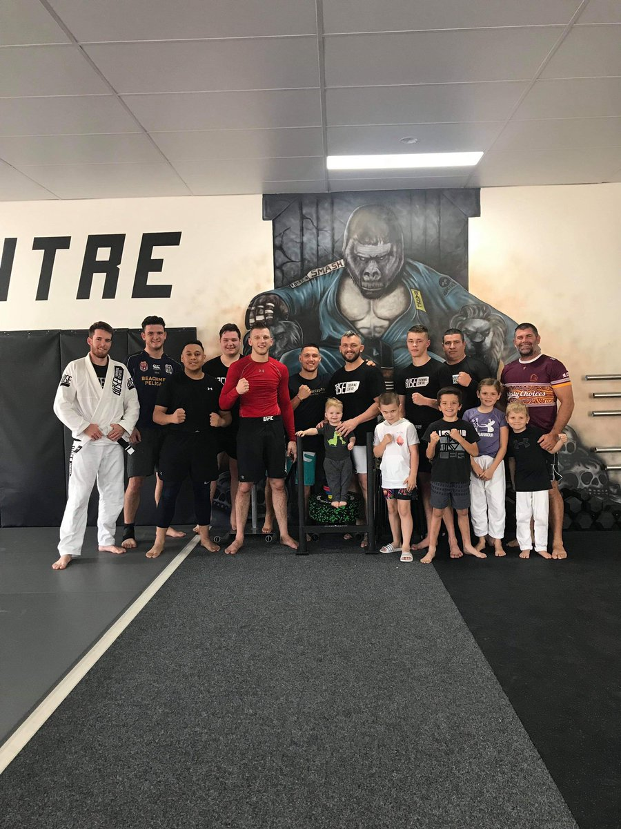 Big morning made even better with @danthehangman dropping in for some rounds and moving around with some of my members #Grateful #Anzacs #BaseTrainingCentre