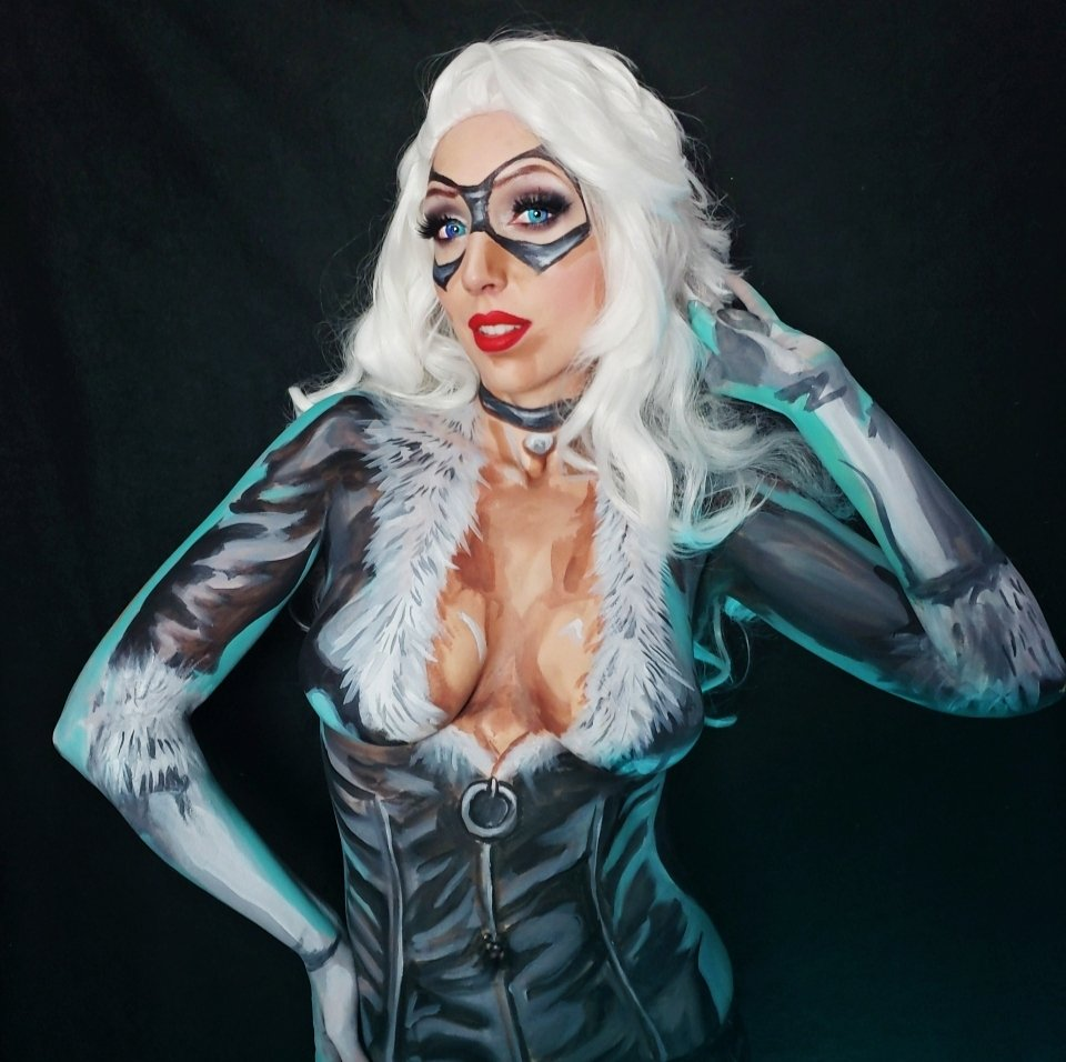 I was trying to do a comic-book look this time and I think it looks pretty good! #bodypaint #blackcat Find me on  http:// Twitch.tv/intraventus     !<br>http://pic.twitter.com/Rn1SyxezZO