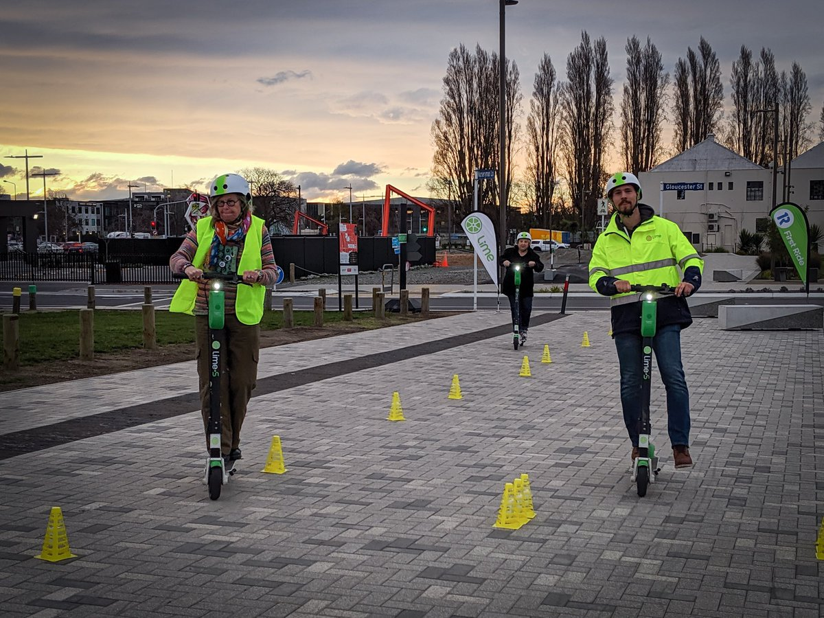 We recently celebrated 1M rides in #Christchurch and one #Lime fan has ridden 880 kilometres over 441 trips since October @limebike @ChristchurchCC  https:// i.stuff.co.nz/the-press/news /115070726/christchurch-lime-scooter-fan-has-ridden-880-kilometres-over-441-trips-since-october   …  <br>http://pic.twitter.com/FpoOQwIXQW
