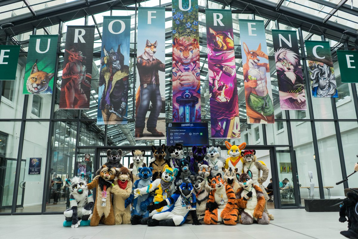 Quick little edit of the official #EF25 @FursuitsByLacy photoshoot. The final versions will come asap after the con :3 Thank you all for being so fabulous! Plz tag the other suiters ^_^ <br>http://pic.twitter.com/BnUYthxhD0