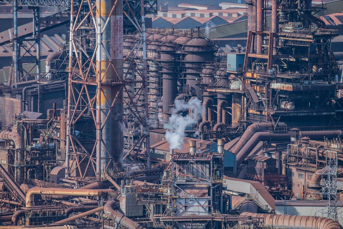 昼間の呉の製鉄所の格好良さを知って欲しい。