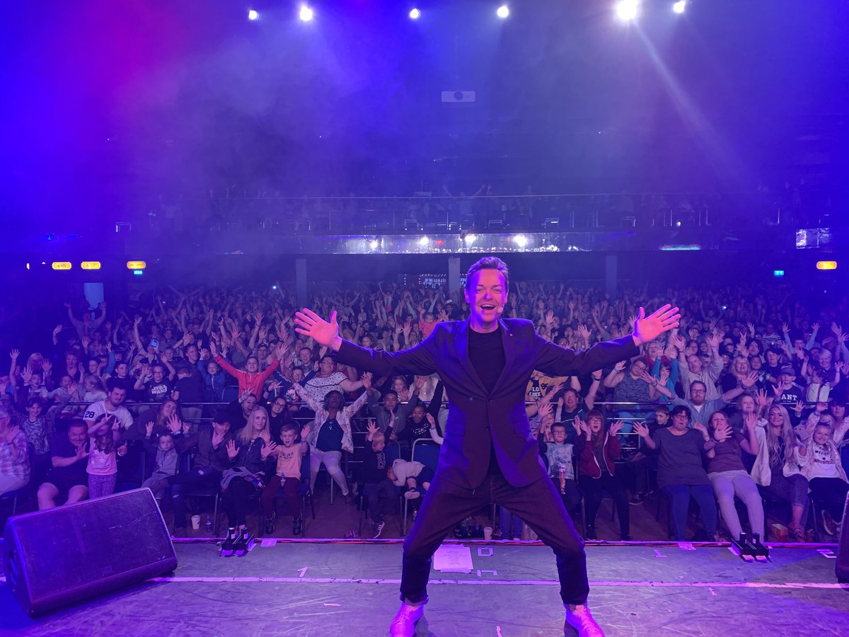Incredible audience and show @Butlins last night in Skegness, what does Minehead have in store this evening? Time will tell...