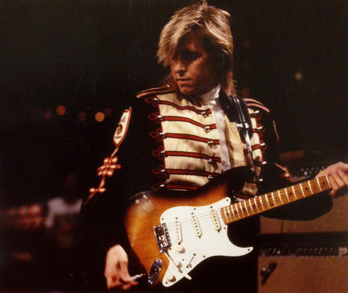 Happy Birthday to American guitar legend Eric Johnson, born on this day in Austin, Texas in 1954.
