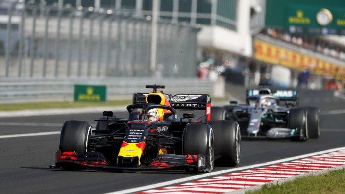 Verstappen: Umarım 15 yıl daha burada olurum   🔗👉 http://www.sonsektor.com/haberler/verstappen-umarim-15-yil-daha-burada-olurum-65021/…   #F1