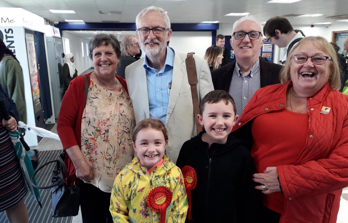 Happy #SaturdayMorning @jeremycorbyn has just arrived in Bolton for #LabourRoots! With a General Election looking likely, we need our movement to be strong. So lets come together, united. RT if youre with us ✊