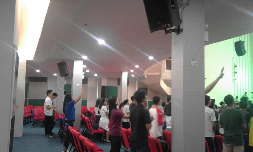 JRM Zeal Youth Service ''Buhay With God''  The Greatness of our God By: Hillsong  Praise and Worship #BlessedFriday #JRMZealYouthMinistry <br>http://pic.twitter.com/tTTeKvuiJv