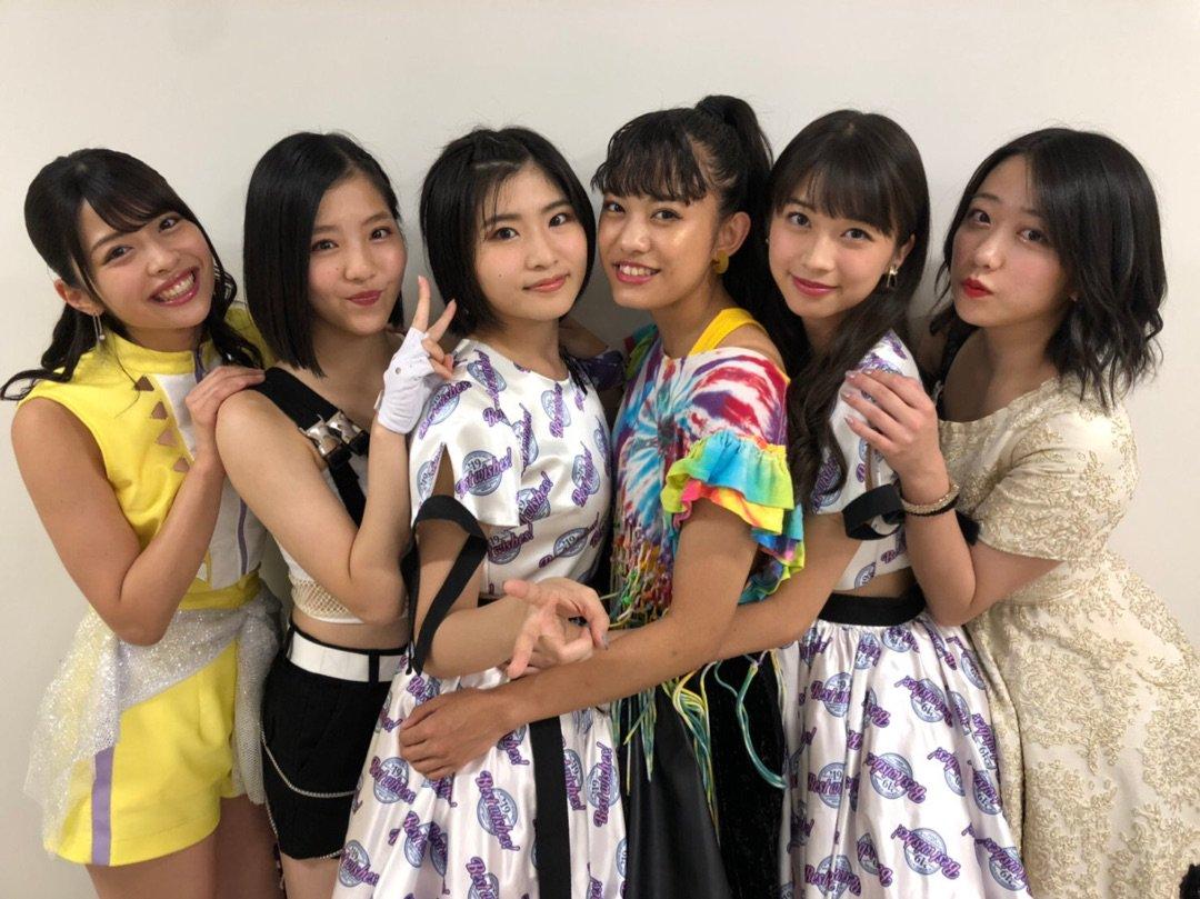 【13期14期 Blog】 今日のイヤホンは有線。 加賀楓:…  #morningmusume19