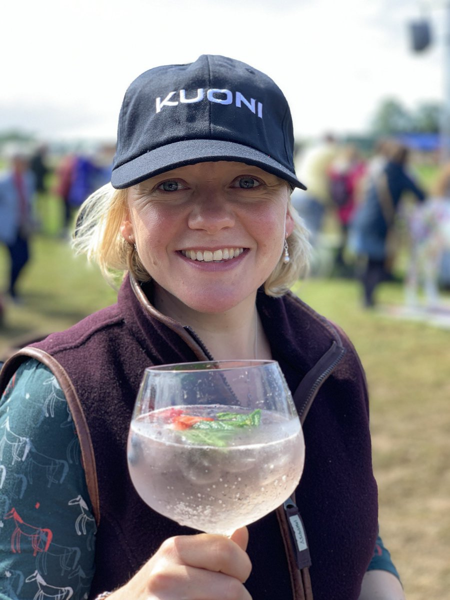 No prizes for guessing Mrs P last stop @Countryfilelive today! Lovely looking holidays on the @KuoniTravelUK stand followed by a lovely #gin #cocktail on the #Prosecco bar! @CastleHowardEst #CountryFileLive #familydayout