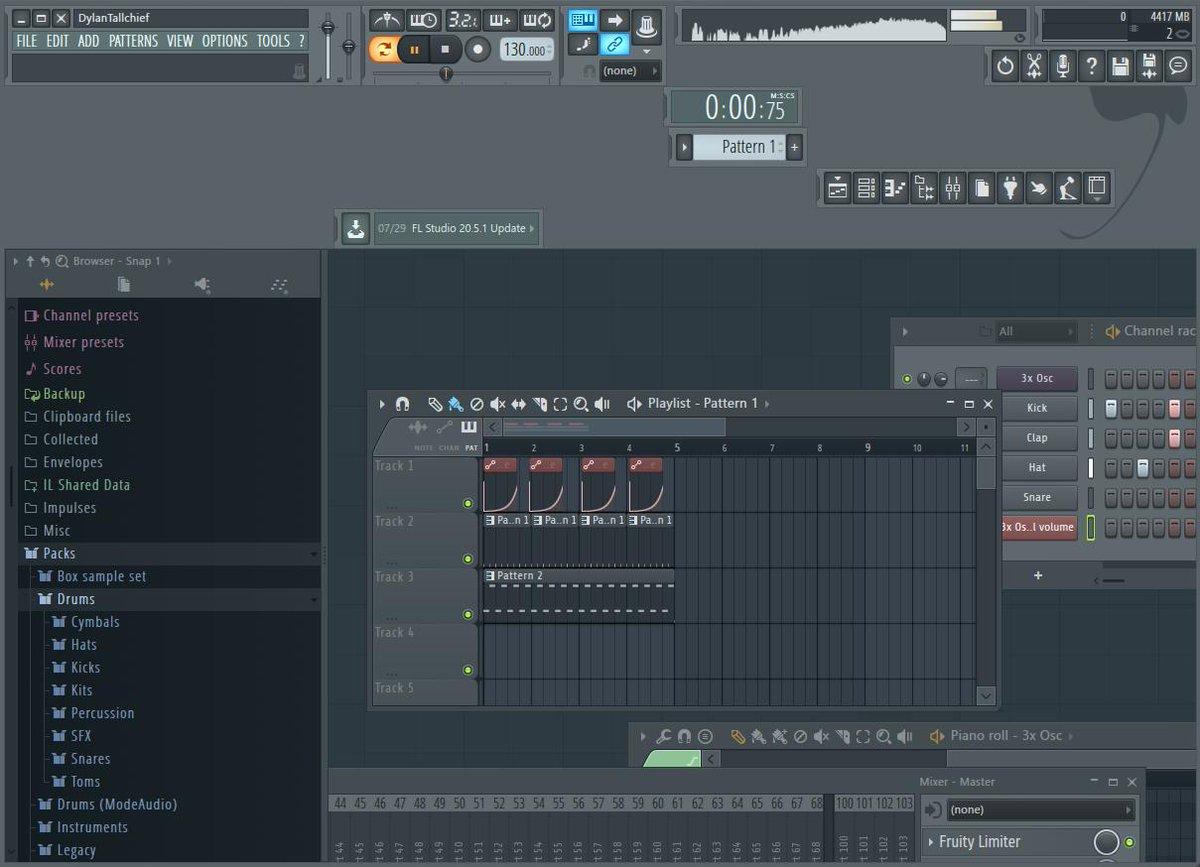 No one:  FL Studio users: <br>http://pic.twitter.com/WwFWlBddFp