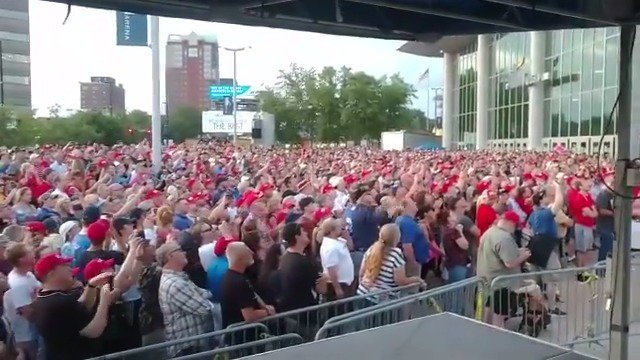 Massive overflow crowds in New Hampshire last week. Couldn't get into packed SNHU Arena. Fake and Corrupt News would like you to believe otherwise. MAKE AMERICA GREAT AGAIN! https://t.co/CUIYMvMQFv