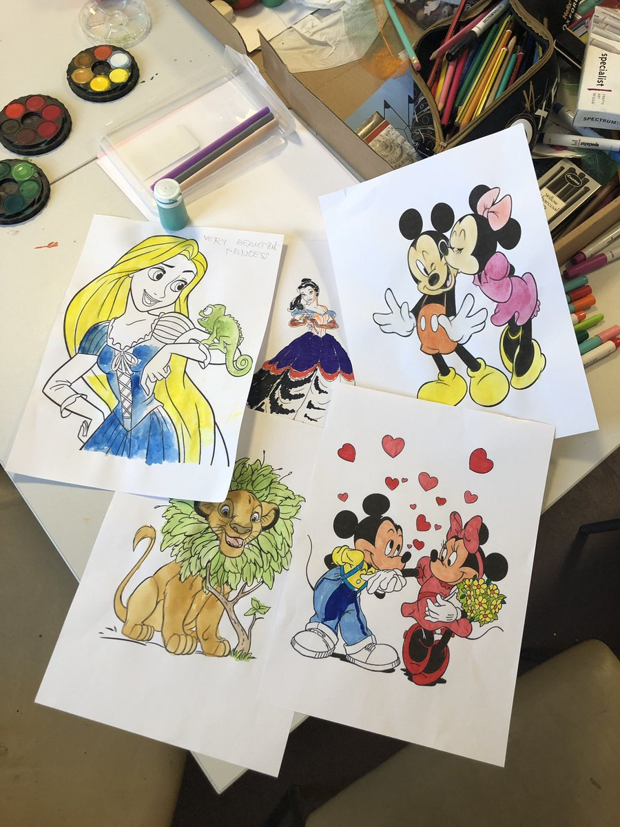 Gotta love a Disney themed weekend on @CoralWardLGH. First some art while singing along to Disney songs, followed by a game of Disney monopoly #HappySaturday  <br>http://pic.twitter.com/LQBSsgcSBa