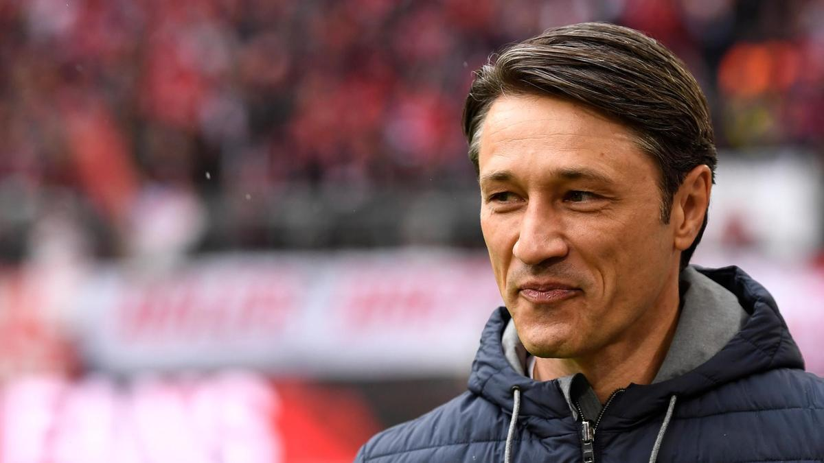 The dude who manages Bayern Munich looks like if Jon Stewart and Mads Mikkelsen made a baby