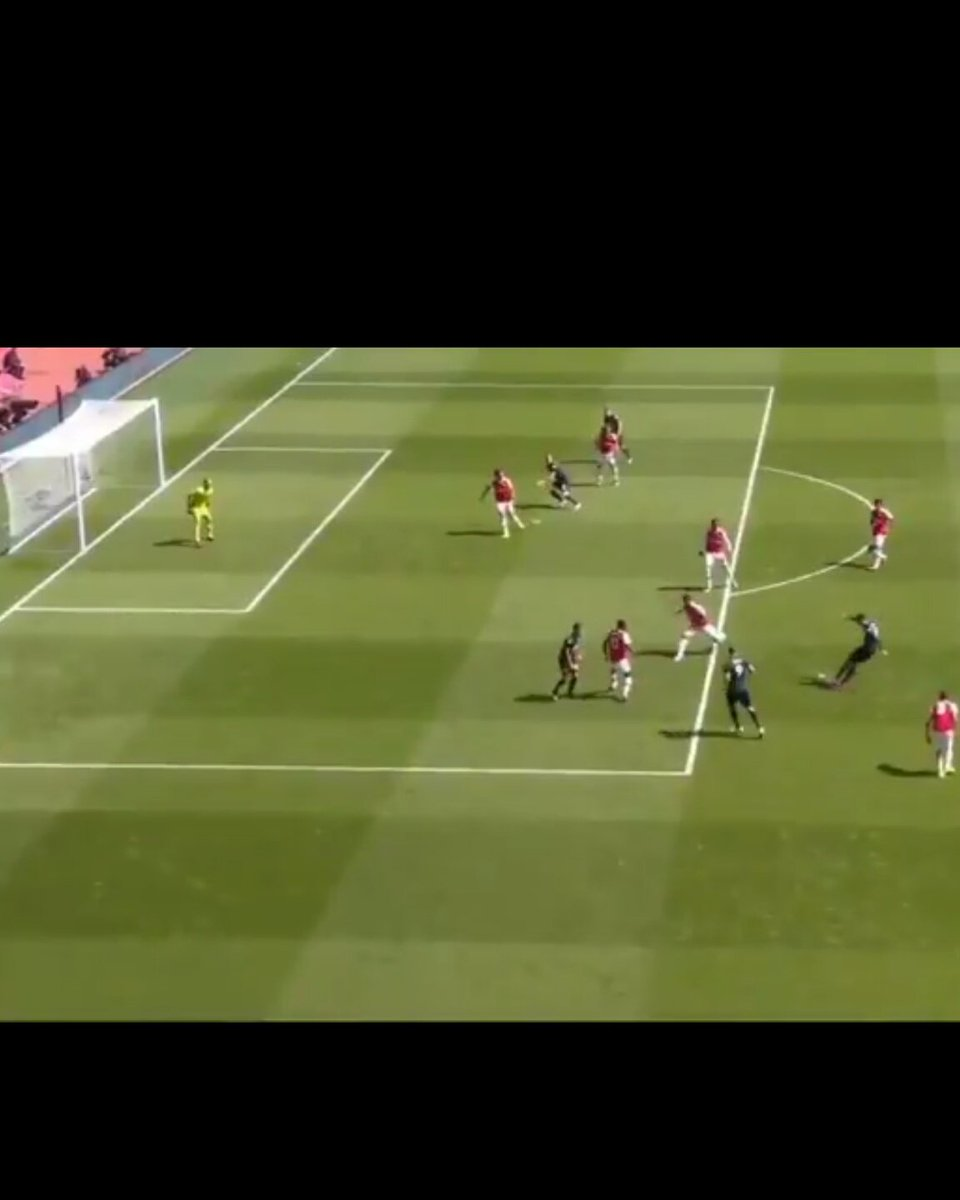 @FootballLabora1 I think he was unlucky. He would have been in a good position to defend if it was a cross