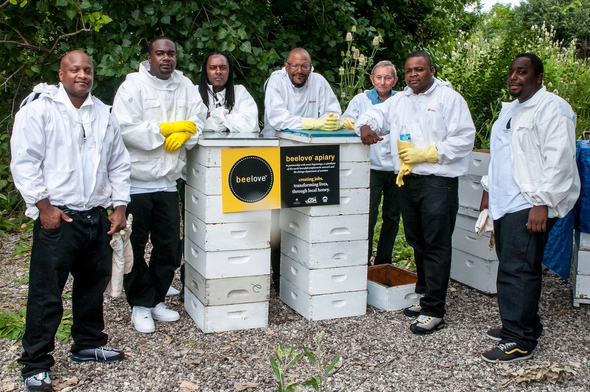 Through their line of honey-infused products, Chicago BofA #NeighborhoodBuilders @NLEN_Jobs' social enterprise @beelovebuzz gives the formerly incarcerated a second chance at success #NationalHoneyBeeDay 🐝https://tinyurl.com/y5fxyj45